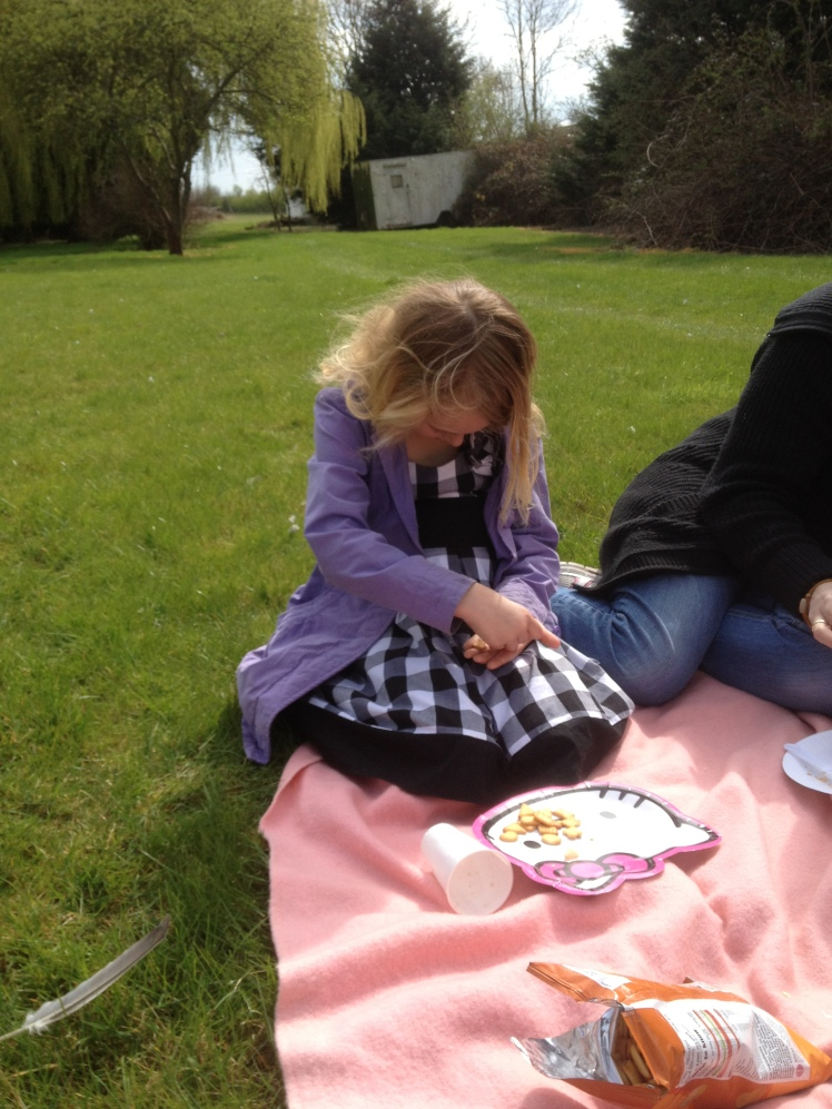 picnic story time 2.JPG