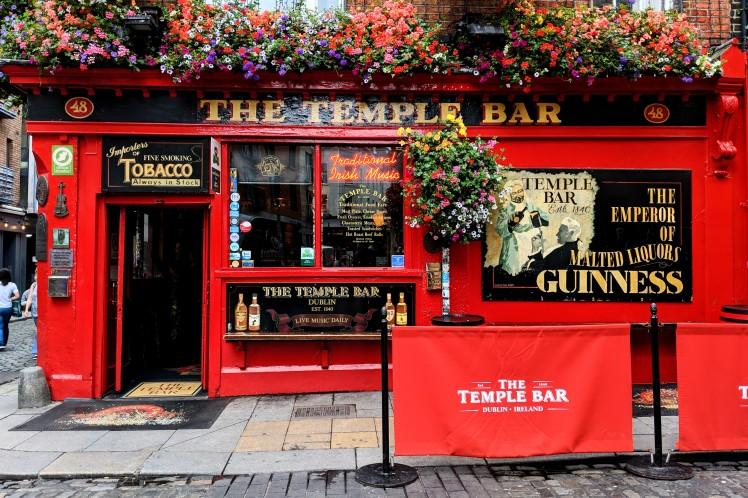 temple bar dublin.jpg